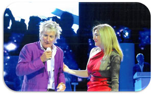 Edie joins Rod Stewart on stage in Las Vegas